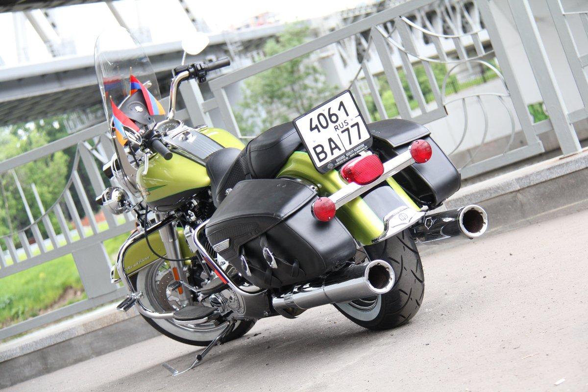 Harley-Davidson FLHRC Road King Classic, 2011