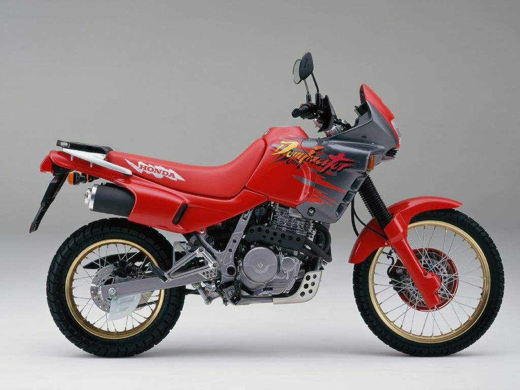 NX 650 Dominator, 1994