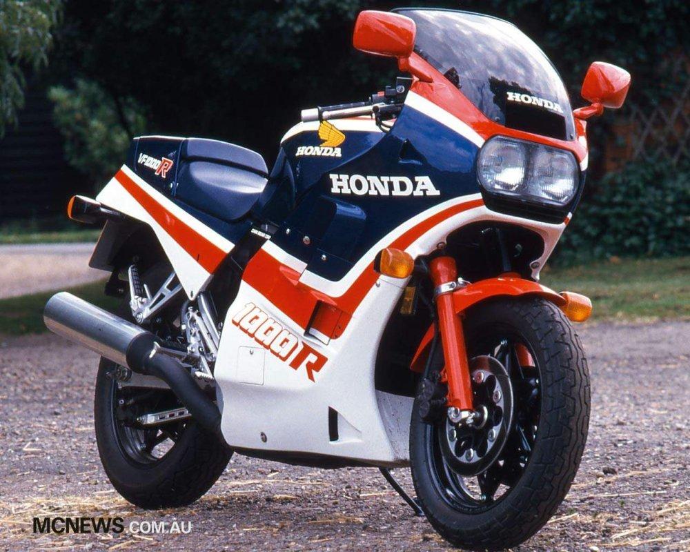 VF 1000 R, 1985